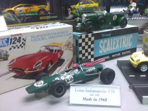 Hornby Centre Scalextric Cars Lotus Indianapolis T38