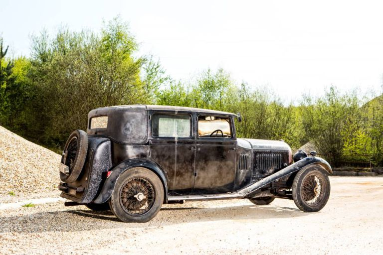 Rare Vintage and Expensive Bentley Found in a Barn