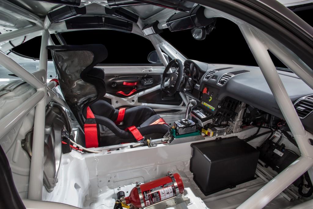 Potsche Cayman GT4 Clubsport