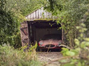 1964-jaguar-3-8-e-type-barn-find-6