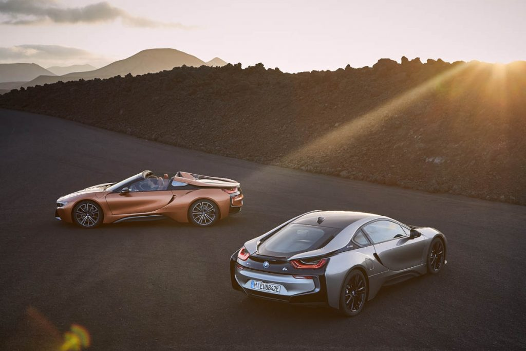 The New 2018 BMW i8 Roadster and Coupe Look Stunning