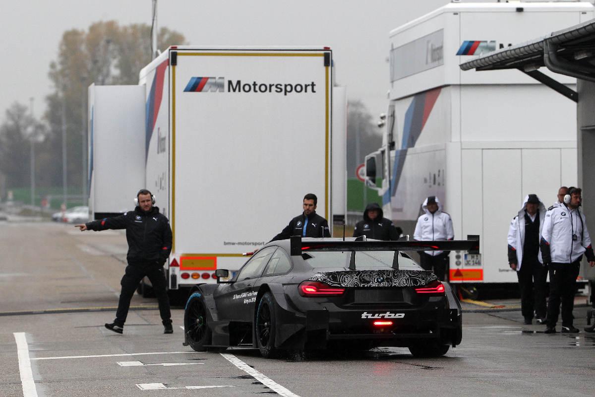 2019 BMW M4 DTM Revealed - Exiting Garage