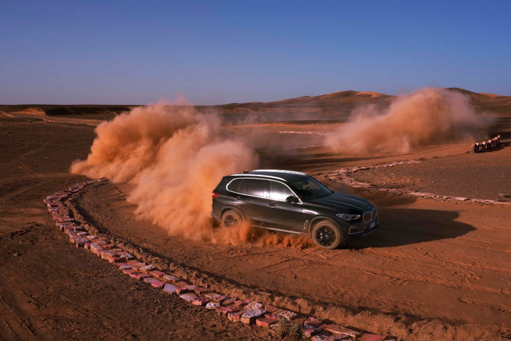 New BMW X5 Races Around A Sahara Desert Version Of Monza